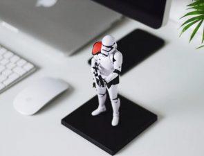 Desk toy